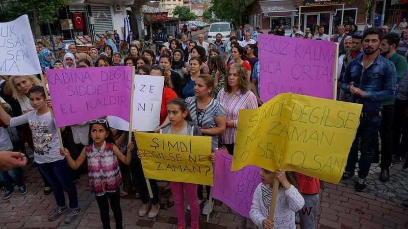 Gölbaşı'nda Çocuk İstismarı Protesto Edildi
