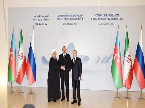 На Западе шокированы встречей трех президентов