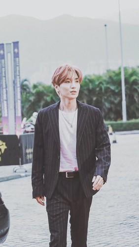 Leeteuk/이특 / Who is Leeteuk? 1GO60A