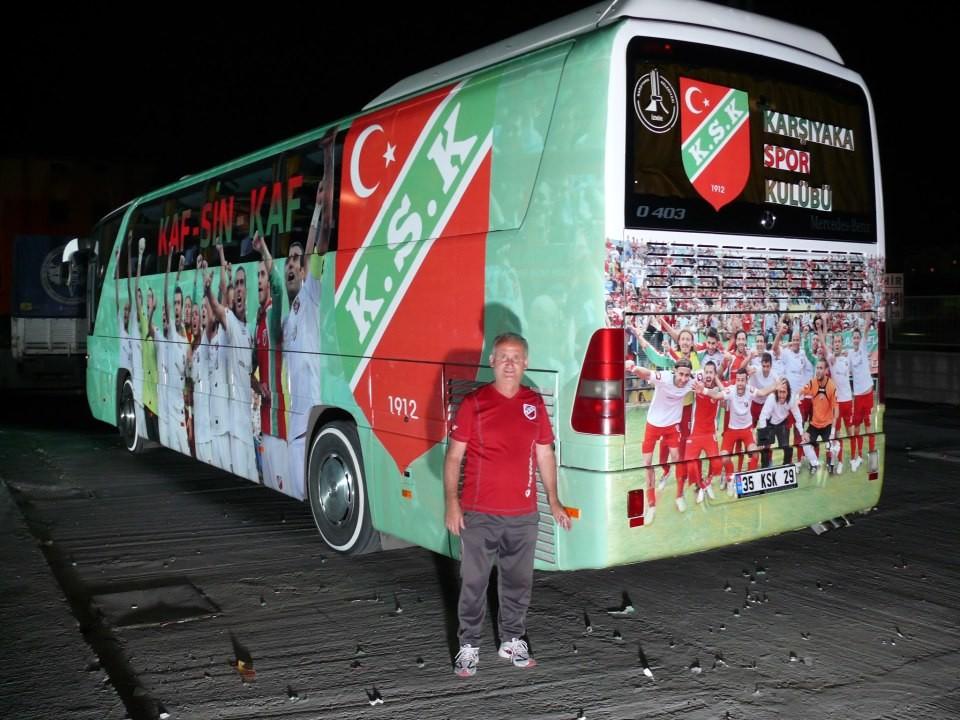 Karşıyaka belediyesinin 2007 yılında kulübümüze tahsis ettiği ve o günden beri otobüsün kaptanlığını yapan Hüseyin Saraç emekli oldu.