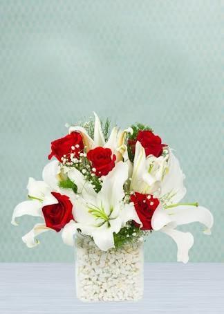 1v2LSB - Bugünkü çiçekler kime gitsin ?