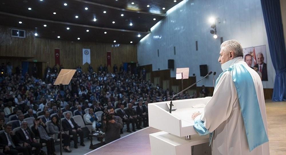Başbakan'dan üniversitelilere burs müjdesi