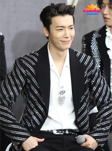 Super Junior General Photos (Super Junior Genel Fotoğrafları) - Sayfa 10 2JNGr0