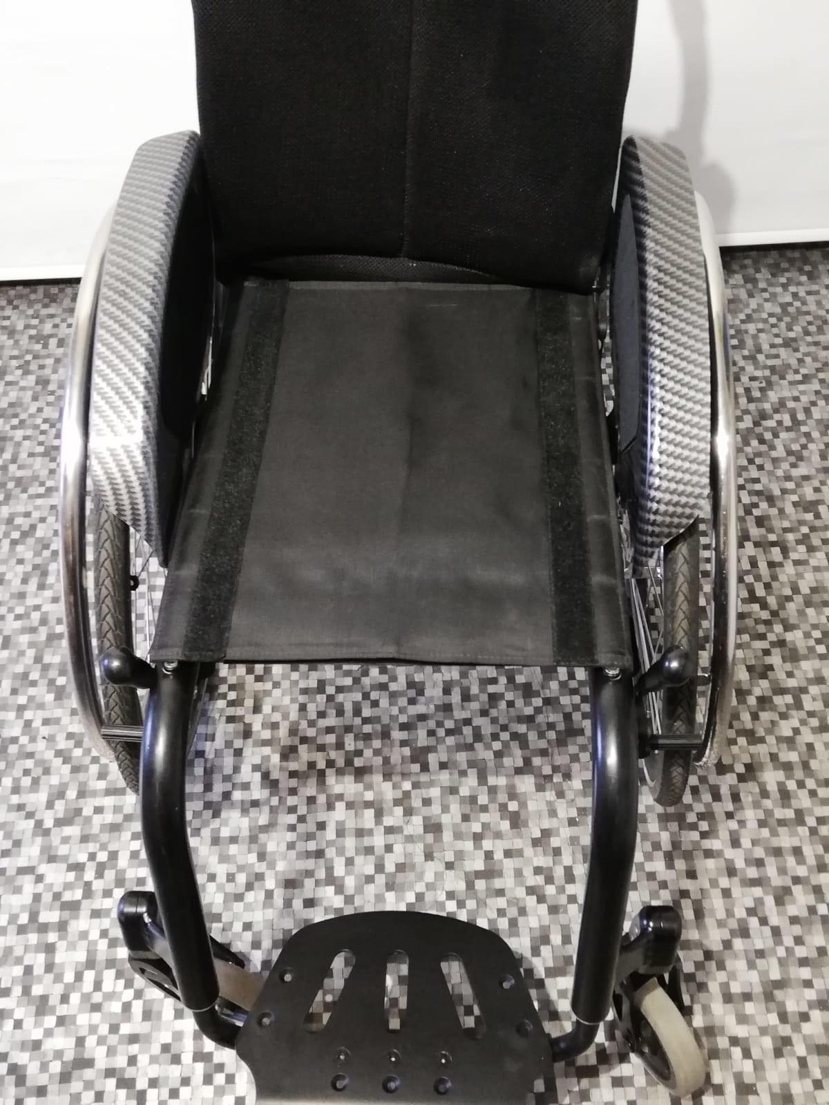 2OygWv - Berollka Cobra Spor Alman markası aktif tekerlekli sandalye satılıktır