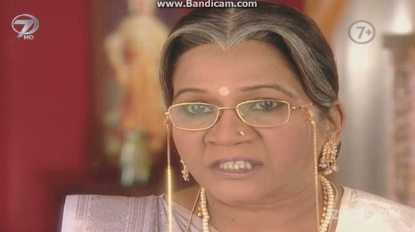 kördüğüm hint dizisi oyuncuları: sumitra