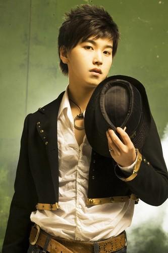 Super Junior 05 - TWINS Photoshoot - Sayfa 2 3zkvQ2