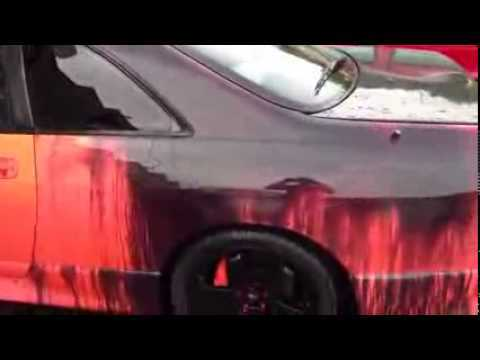 Su ile renk değiştiren araba