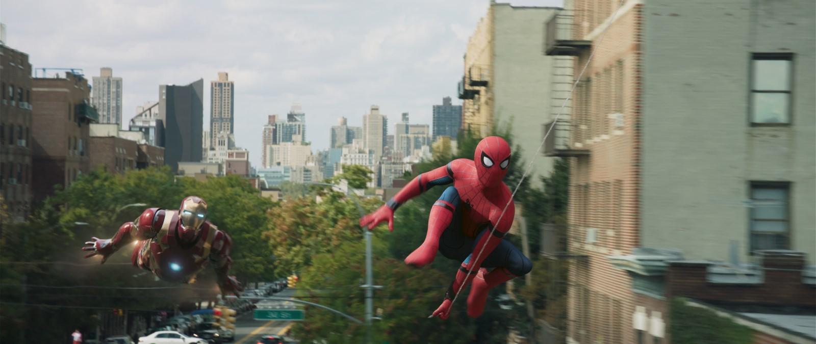Örümcek Adam: Eve Dönüş Filmini indir Ekran Görüntüsü 2