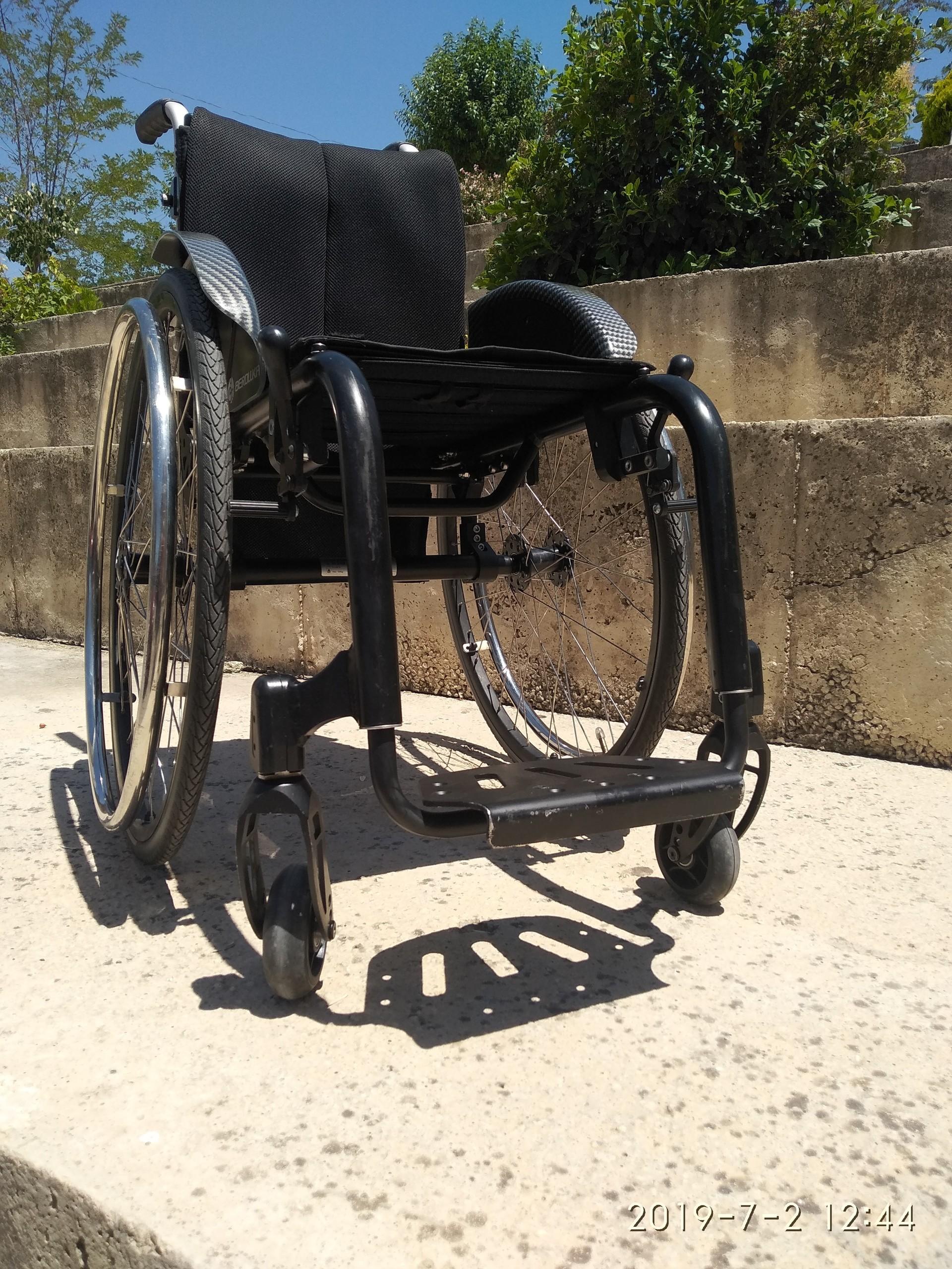 7BPrJa - Berollka Cobra Spor Alman markası aktif tekerlekli sandalye satılıktır