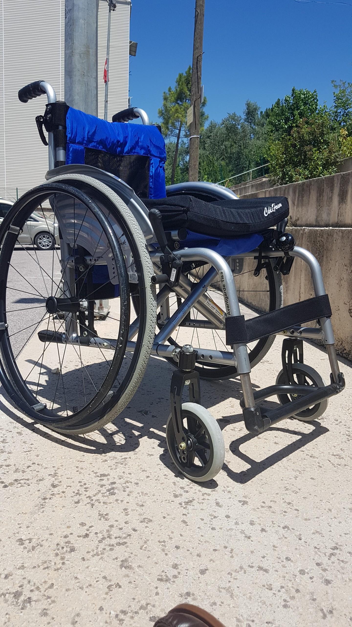 7BPrjm - Ottobock Avantgarde Ti 8.9 aktif tekerlekli sandalye satılıktır
