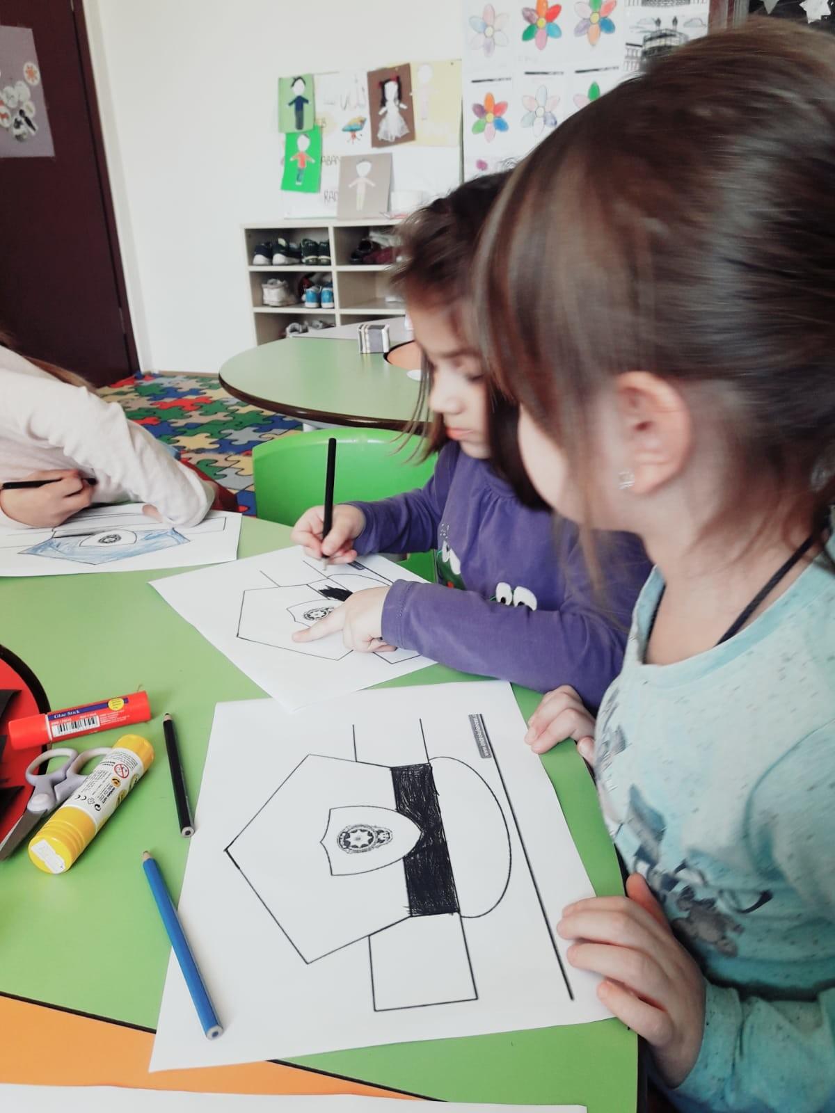 Eynesilli Edep Okulu öğrencilerinden Asker Selamı