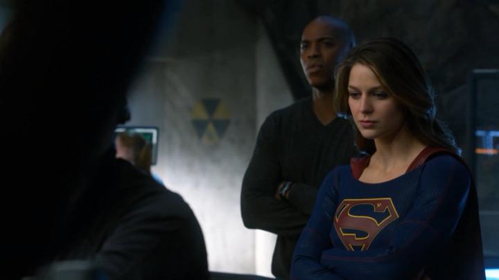 Supergirl (2015–) dizi indir