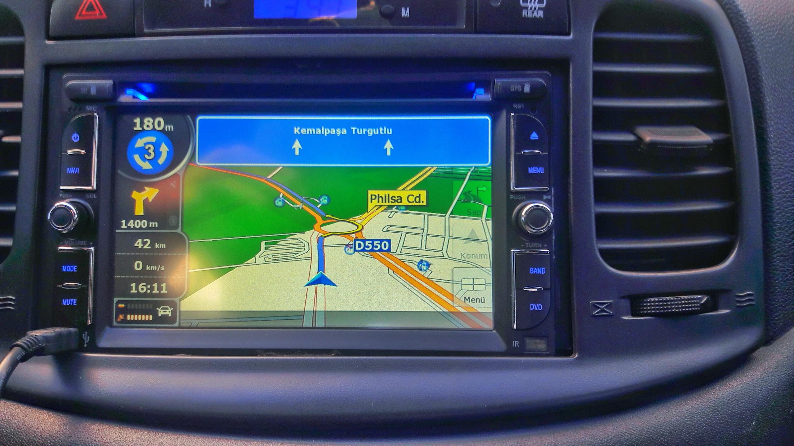 7v08Lm - Arac�ma navigasyon cihaz� almak istiyorum. Ne �nerirsiniz?