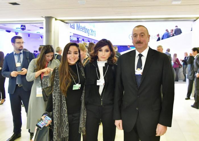 Prezident və birinci xanım Davosun sessiyasında