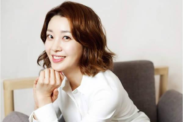 """Lee Ah-Hyun, """"Monster"""" Dizisinin Kadrosuna Katıldı"""