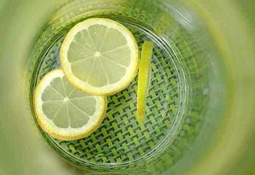 1 Ay Boyunca Limonlu Su Icerseniz Ne Olur 13416695