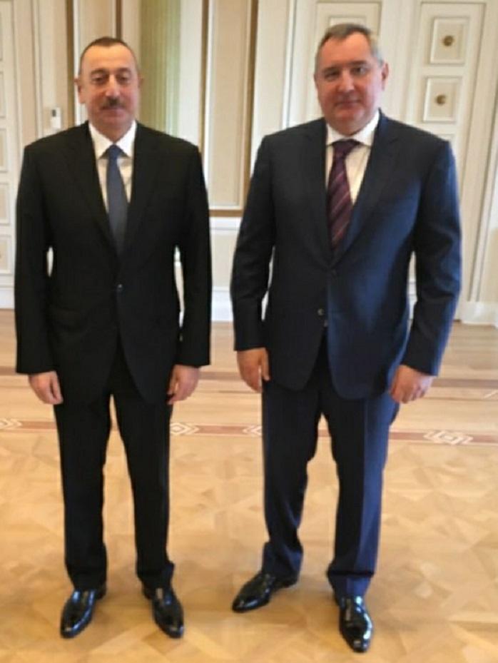 Rusiya Baş nazirinin müavini Dmitri Roqozin Bakıya gəlib