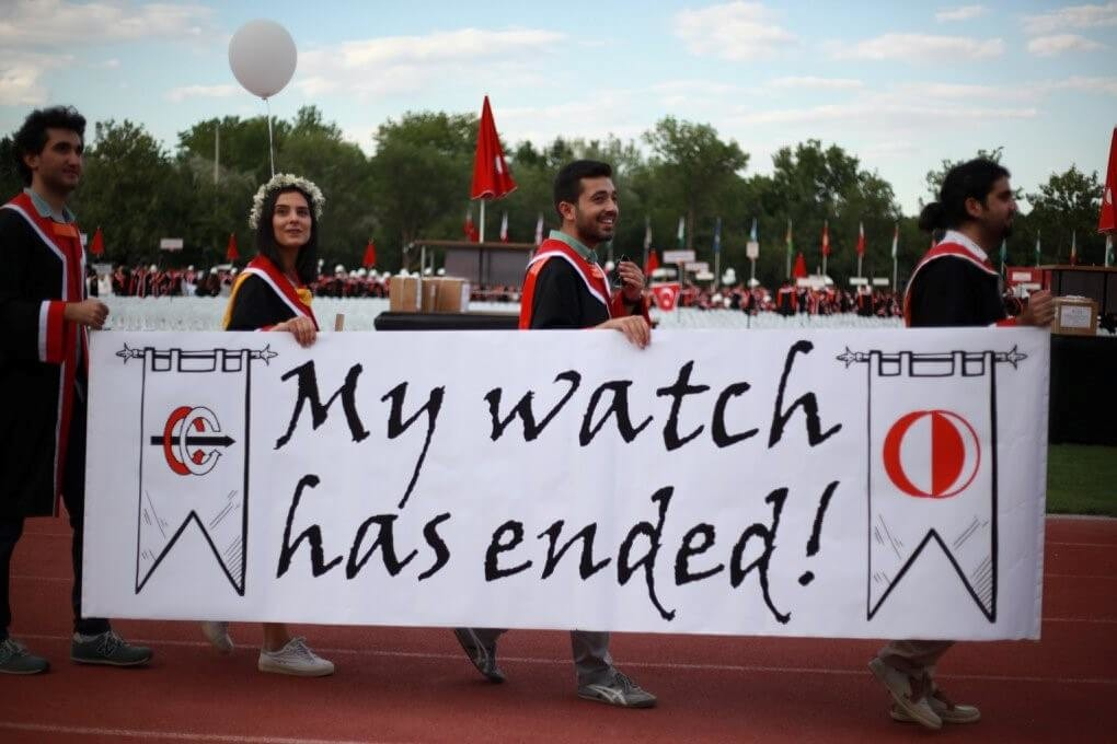 My watch has ended! pankartı
