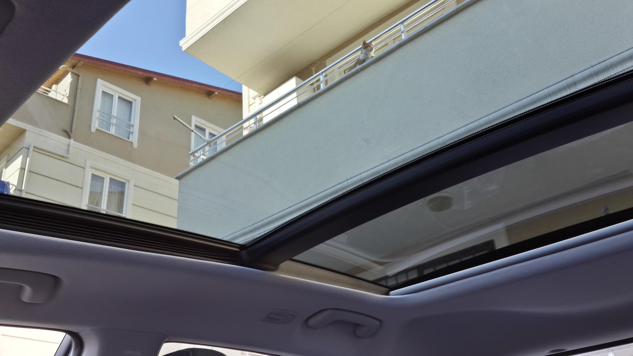 2015 hyundai i20 çakıl gri cam tavan