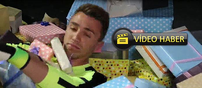 Muslera'nın oynadığı reklam filminin kamera arkası