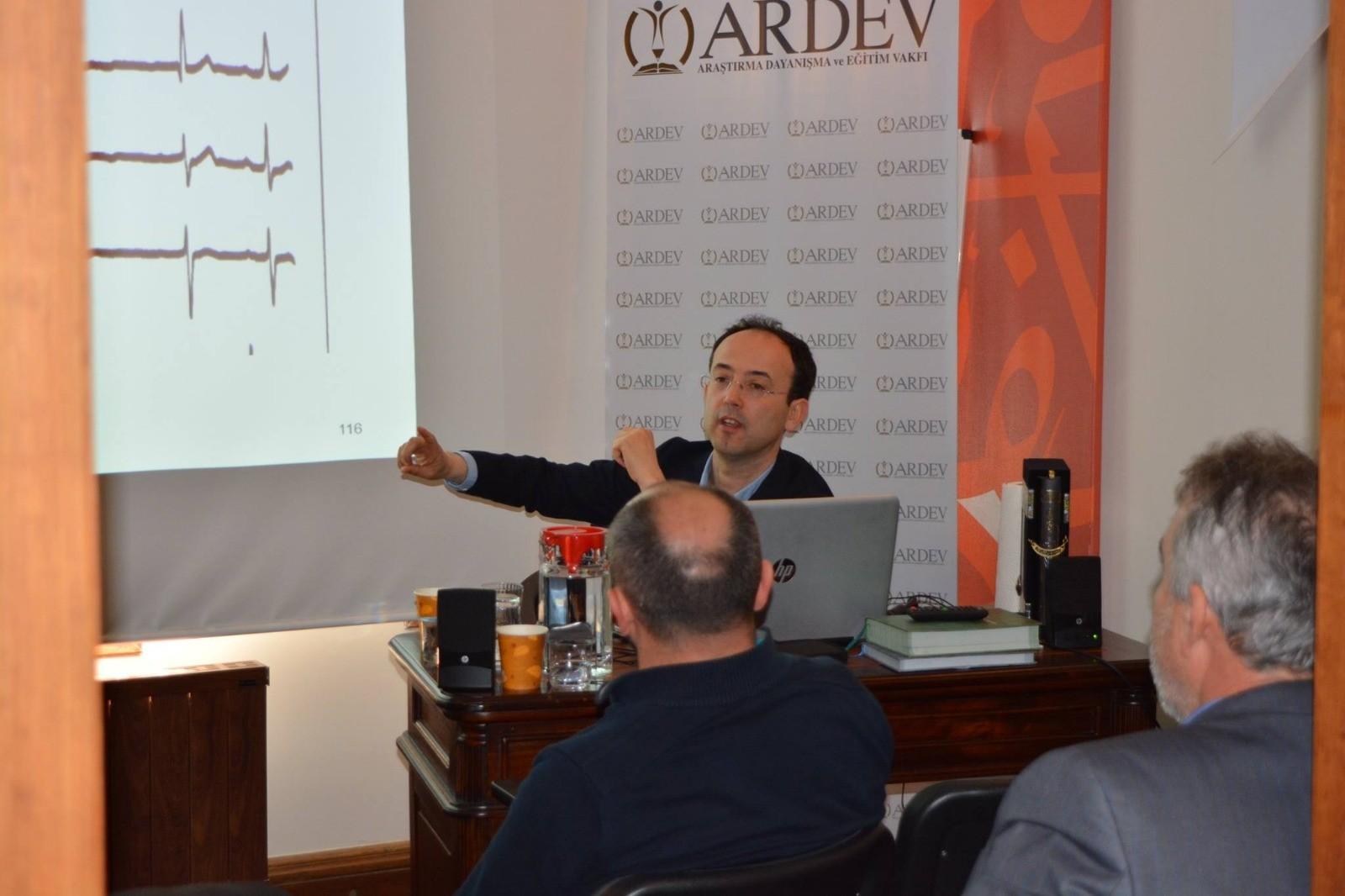 Prof. Dr. İbrahim SARI ile İslâm'da Sağlık Derslerimiz Devam Ediyor