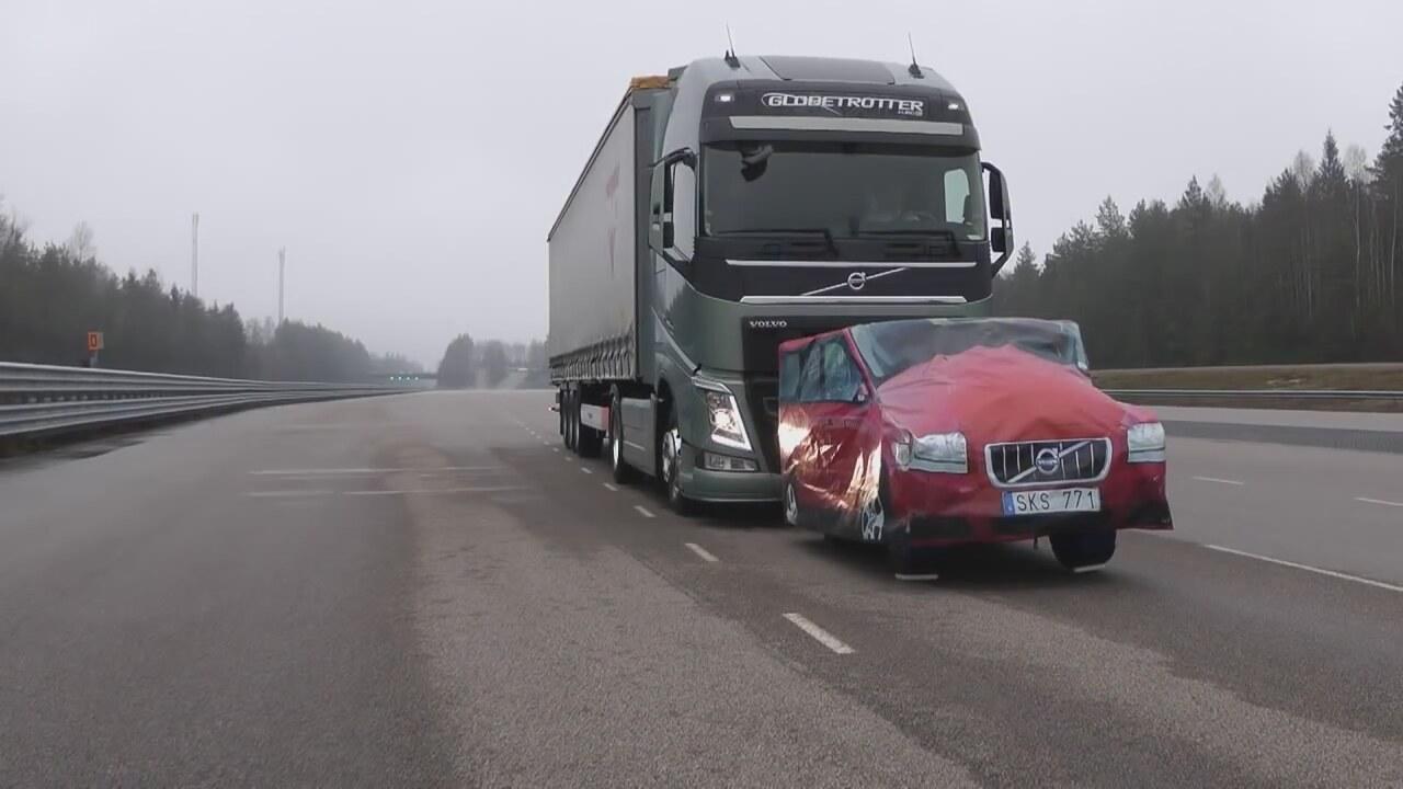 Volvo Tırları ve Acil Fren Sistemi