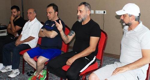 Karşıyaka'da futbol şubesine sponsor olduktan sonra şube sorumluluğunu üstlenen Şevket Pehlivan, futbolculara gözdağı verdi.
