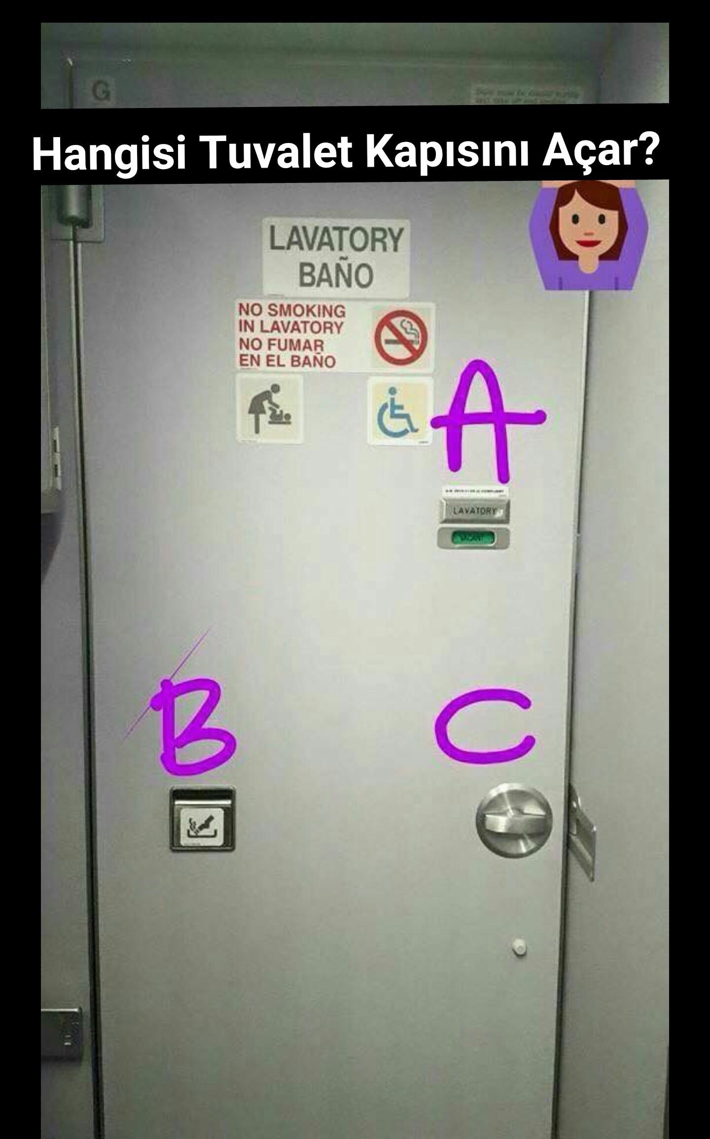 Tuvalet kapısını açamayan yolcu