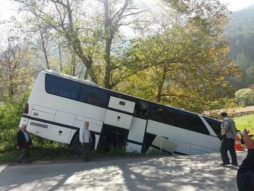 Mudurnu Yolunda Otobüs Kaza Yaptı