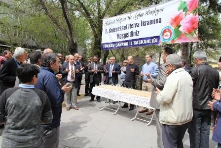 Çankırı TÜRKAV Üç ayların Bereketine Helva Dağıttı