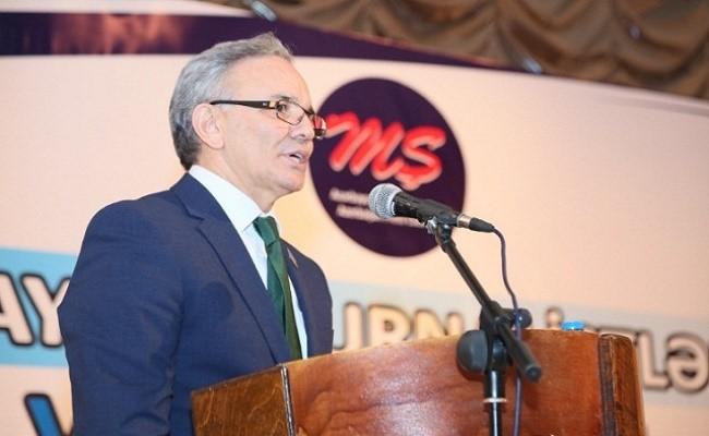 Əflatun Amaşov Mətbuat Şurasının sədri seçildi