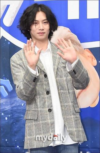 Kim Hee Chul/희철 / Who is Heechul? - Sayfa 3 OoZYm4