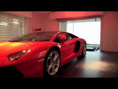 Süper lüks otomobil garajı
