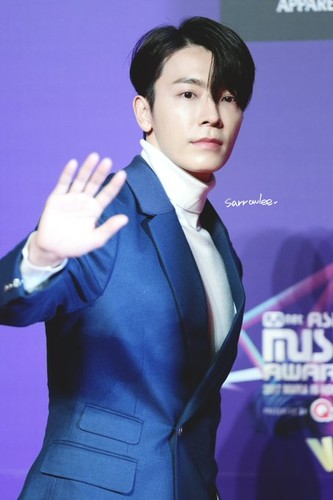 Donghae/동해 / Who is Donghae? POJA9v