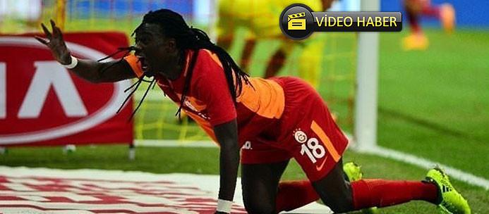 Galatasaray taraftarından Gomis'e yeni beste!