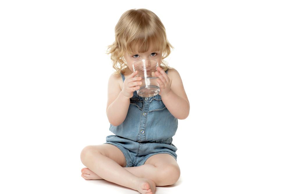 Su İçen Kız Çocuğu Stok Fotoğraf