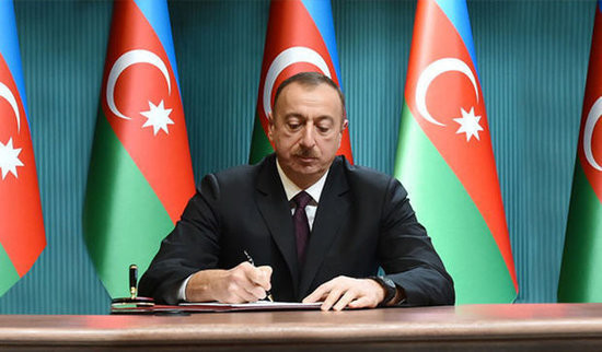 """Prezident """"Təhsil haqqında"""" qanunda dəyişikliklərin edilməsi haqqında fərman imzalayıb"""