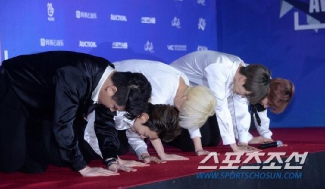 Super Junior General Photos (Super Junior Genel Fotoğrafları) - Sayfa 10 RnBOZ7