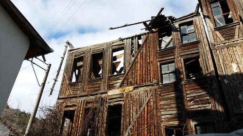 Eski Ev Tehlike Saçıyor