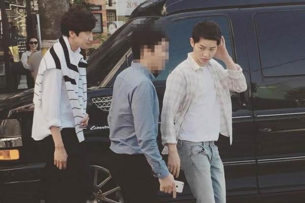 """Lee Kwang-Soo ve Song Joong-Ki'nin """"The Sound of Heart"""" Dizisinin Çekimlerinden Kamera Arkası Görüntüleri [Fotoğraf]"""