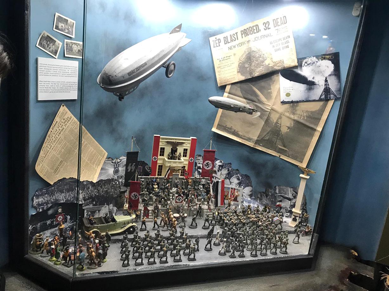 Oyuncak Askerler ile Adolf Hitler'in İlişkisi