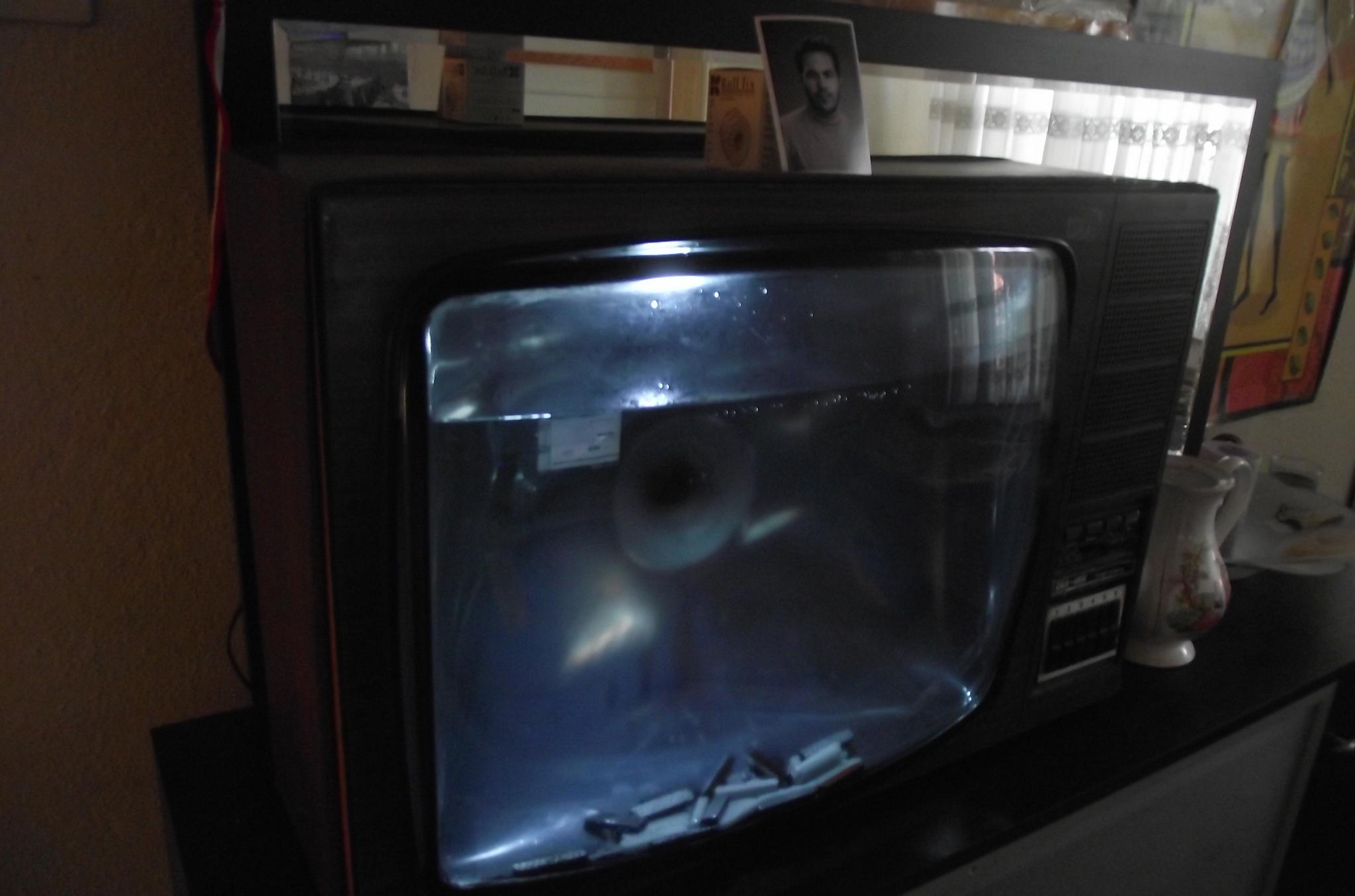 VyD0gR - TV'den akvaryum