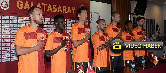 Galatasaray'ın yeni formalarına flaş yorum! ''Parçalıyı parçalamışlar''