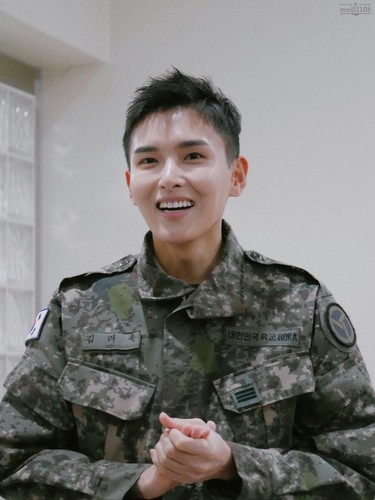 Ryeowook/려욱 / Who is Ryeowook? WGJ2dq