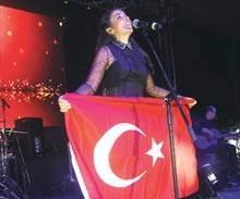 Indila Turk Bayragiyla
