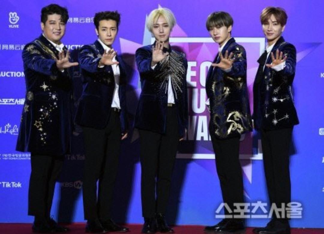 Super Junior General Photos (Super Junior Genel Fotoğrafları) - Sayfa 10 YgJOZ2