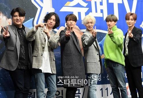 Super Junior General Photos (Super Junior Genel Fotoğrafları) - Sayfa 9 Z9V8rz