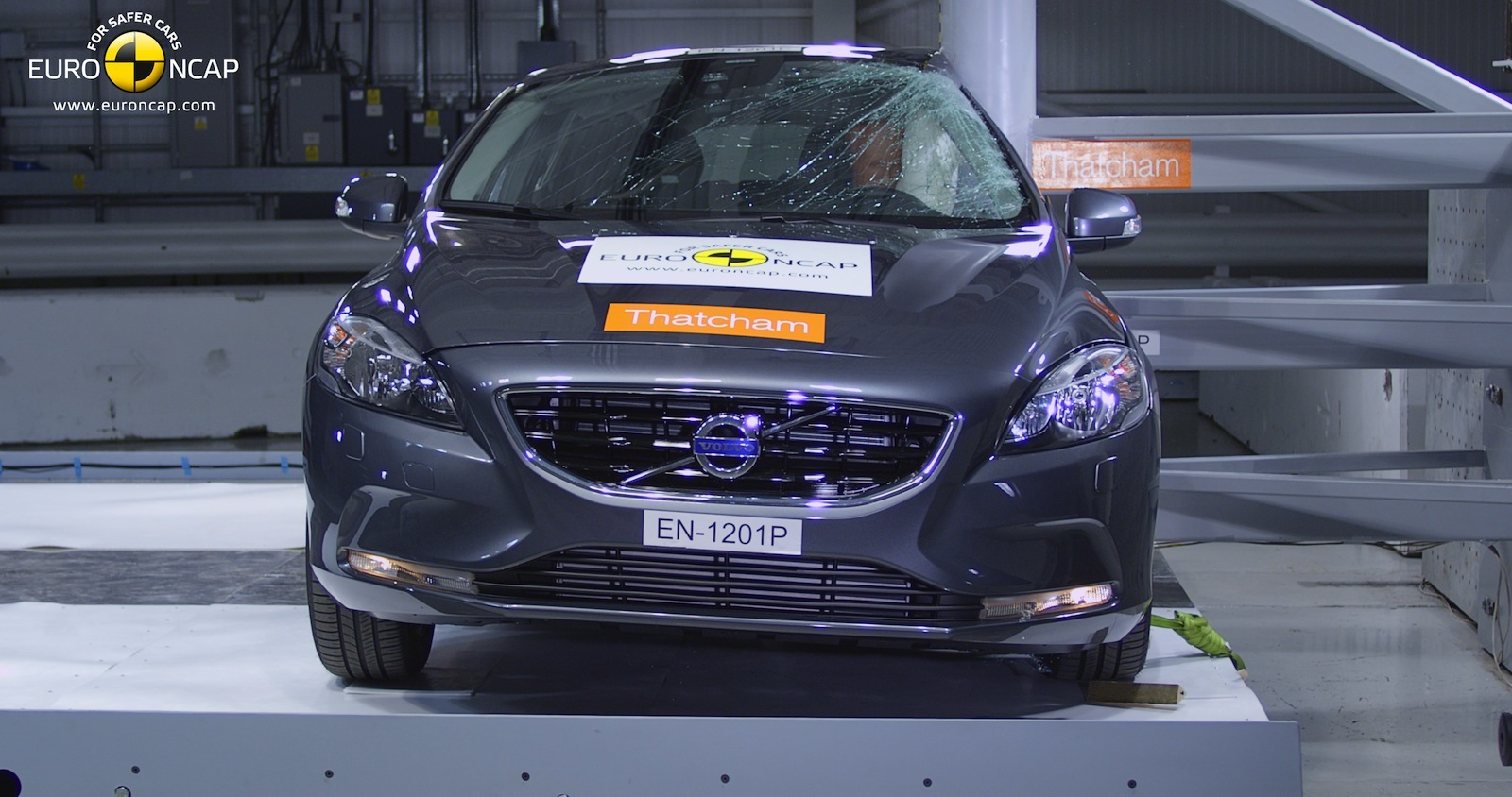 Volvo V40 Euro NCAP çarpışma testi