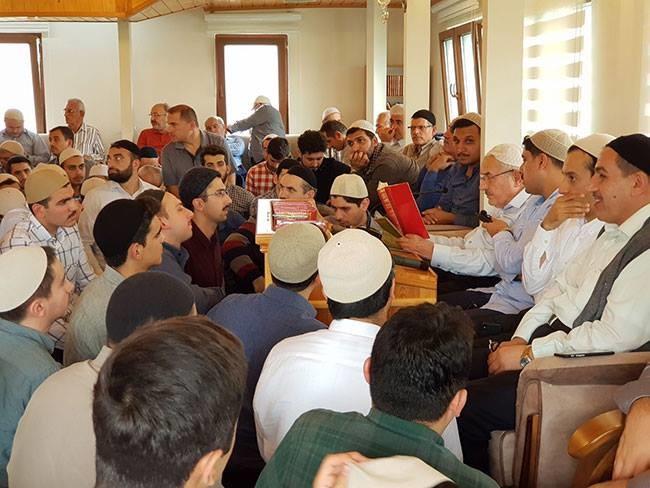 Bediüzzaman Said Nursi Rh.'ın Mutlak Vekil ve Varisi Olarak Risale-i Nur'da Haber Verdiği Hüsnü BAYRAMOĞLU Ağabey