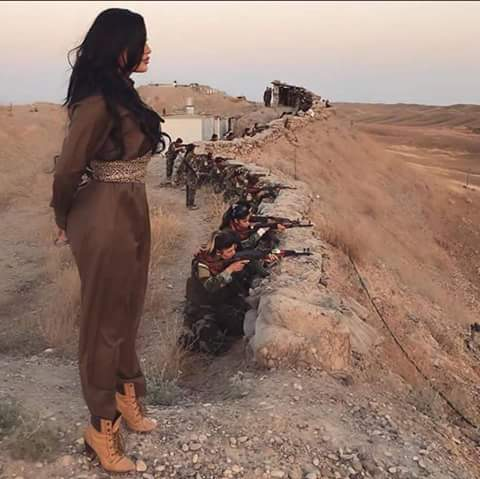 PKK QADINLARI ÖNƏ VERİB QAÇIR...